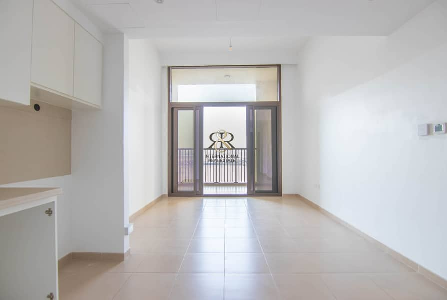 Well Maintained 1 Bedroom with Balcony | Community View