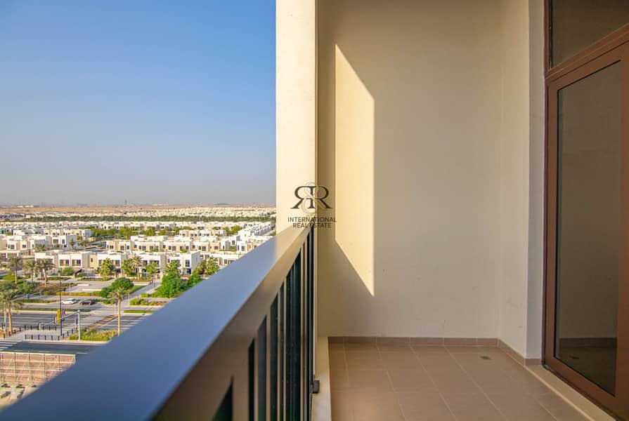 2 Well Maintained 1 Bedroom with Balcony | Community View