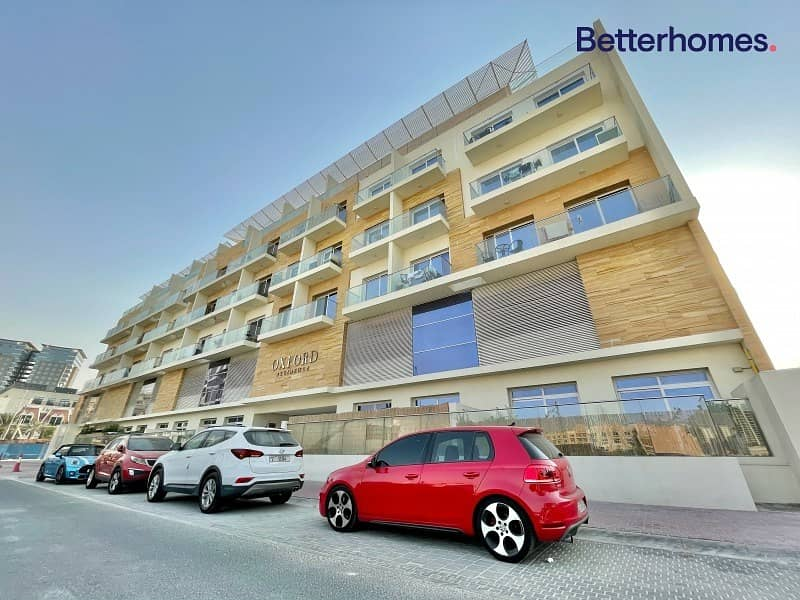 16 Luxurious Apartment Large Balcony Well Maintained 