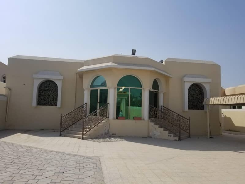Luxury villa of 8000 feet and 4 rooms AND HALL&MAJLIS for rent