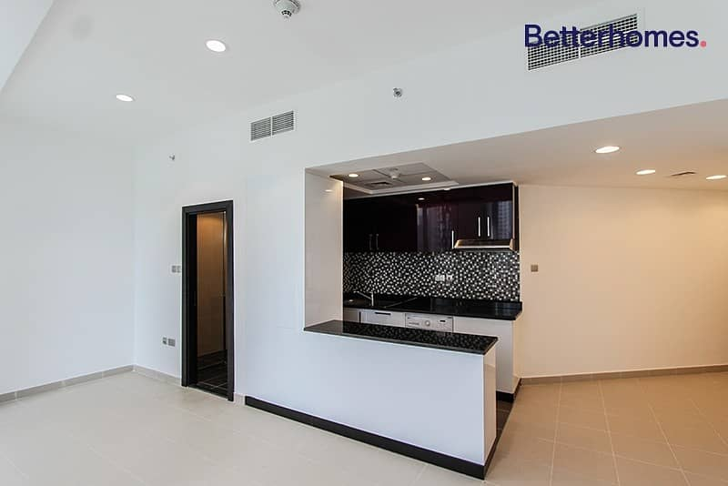 2 Sea View|Low Floor|Unfurnished|White Goods