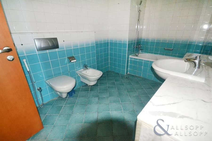 10 Duplex Apartment l 2885 Sq Ft l Vacant