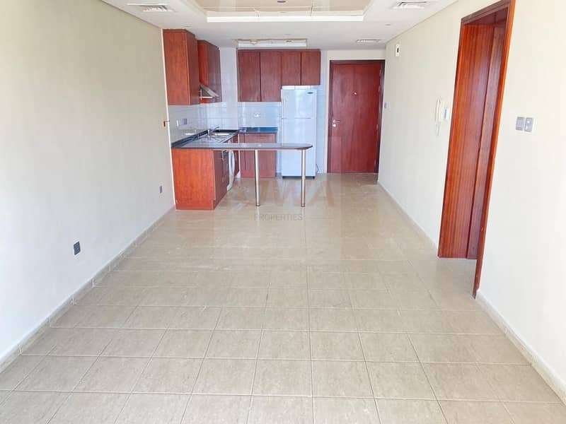 2 Beautiful  Big Balcony Appt  with  Amazing view  very close to Metro station