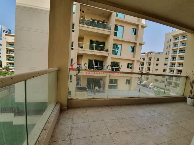 Specious and Bright pool view 2BR apartment in greens