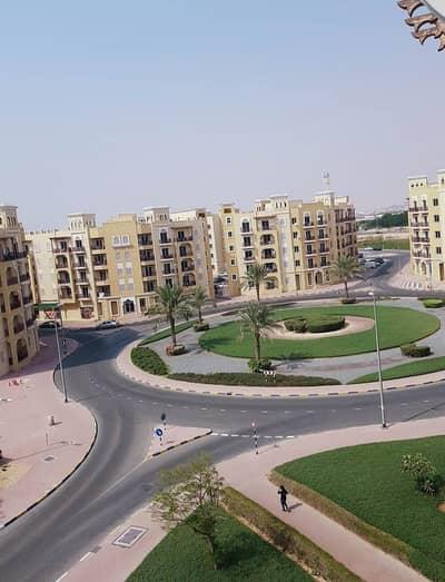 فلیٹ 1 غرفة نوم للبيع في المدينة العالمية، دبي - شقة في الحي الإماراتي المدينة العالمية 1 غرف 295000 درهم - 4876111