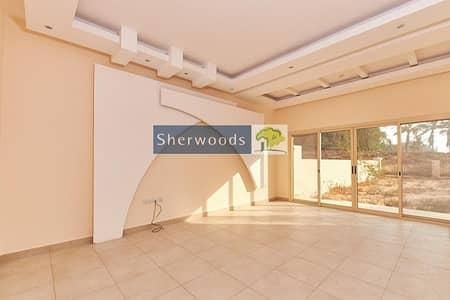 تاون هاوس 3 غرف نوم للبيع في قرية الحمراء، رأس الخيمة - Upgraded Kitchen - Large Plot - Walk to the Beach!
