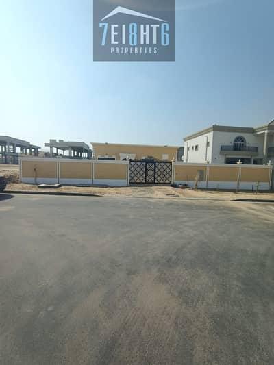 3 Bedroom Villa for Rent in Al Khawaneej, Dubai - Beautifully presented: 3 b/r good quality independent BRAND NEW villa + large garden for rent in Khawaneej 2