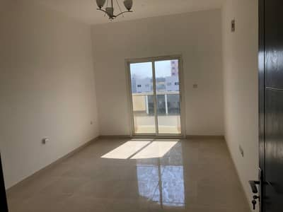 مبنی تجاري  للبيع في الزهراء، عجمان - For sale new building