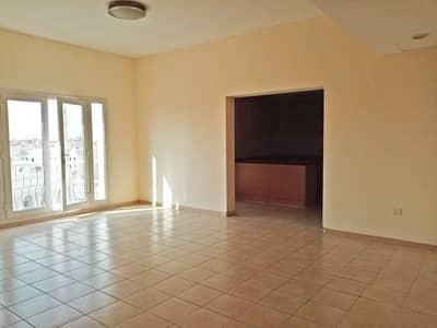 شقة 2 غرفة نوم للايجار في المدينة العالمية، دبي - شقة في منطقة مركز الأعمال المدينة العالمية 2 غرف 40000 درهم - 4877676