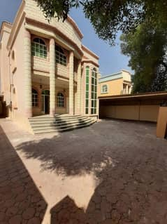Villa for annual rent in the Rawda area, corner, very large area and price snapshot .