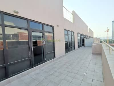 2 Bedroom Apartment for Rent in Jumeirah Village Circle (JVC), Dubai - Lavish 2 B/R Apt with Huge Terrace | Closed Kitchen | | Evershine One