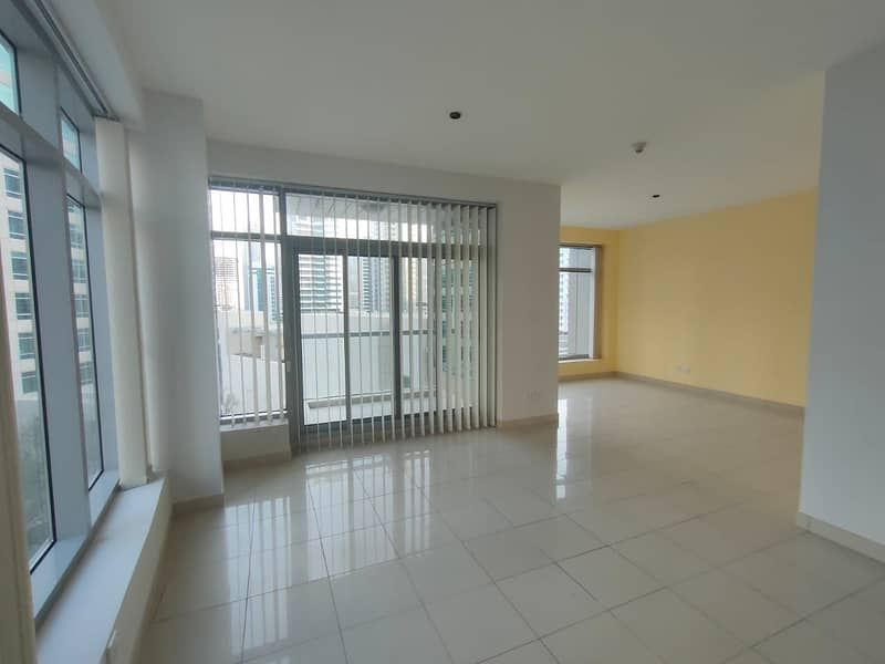 Huge Spacious - 2bedroom Apartment With Balcony - Marina View