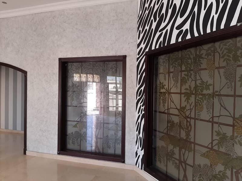 18 Huge Villa in Mizhar - 5BR With Hall