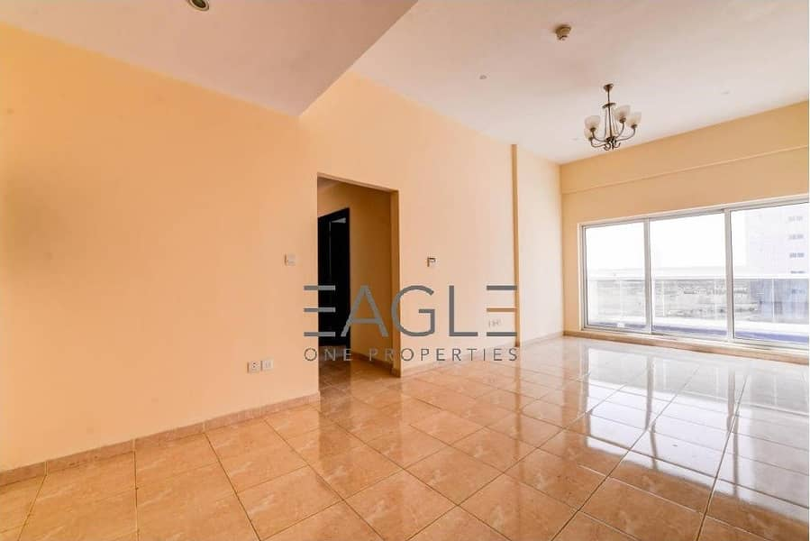 STUNNING 2 BR   WITH BALCONY   COMMUNITY VIEW