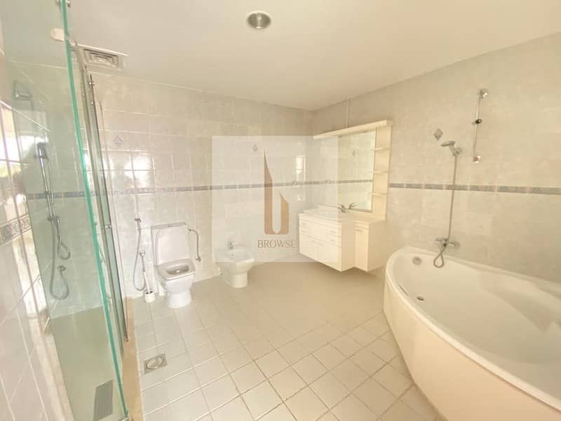 2 3BR En-suite+Private Garden | Shared Pool & Gym