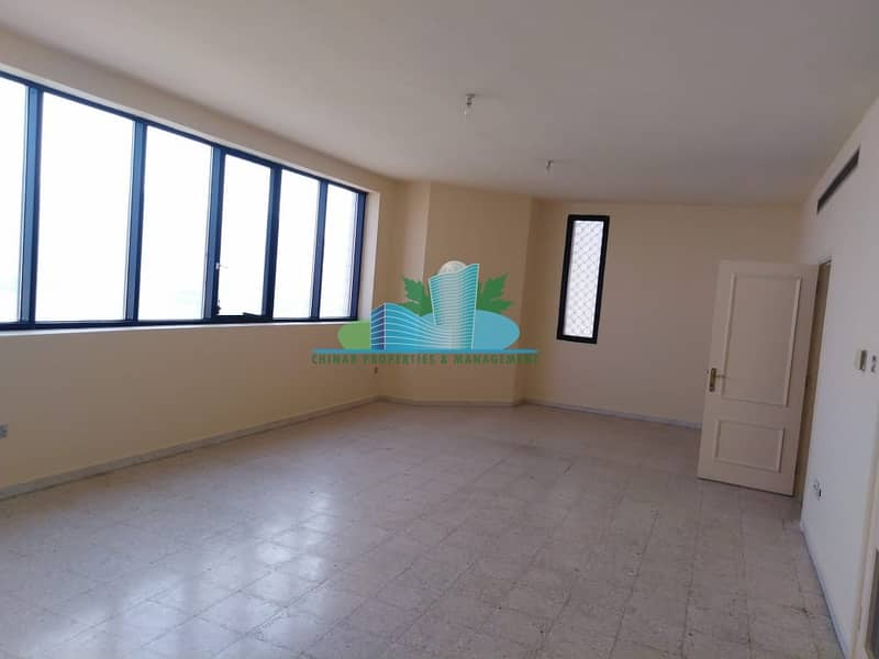 2 Very Clean & Pleasant 3 bhk + maid-room | 4 cheques!
