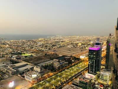 3 Bedroom Flat for Sale in Business Bay, Dubai - Pay 20% and Move in to your ready apartment on Sheikh Zayed Road