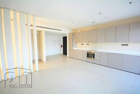 2 Bedroom Flat for Rent in Dubai Marina, Dubai - Pool View   Chiller Free   Large Balcony