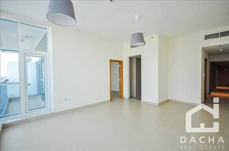 فلیٹ 1 غرفة نوم للايجار في الخليج التجاري، دبي - 1 Bed //  Balcony and Appliances //  4Chqs