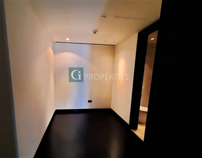 16 Well Priced | High Floor | Maid Room