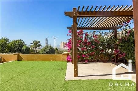 فیلا 5 غرف نوم للايجار في عقارات جميرا للجولف، دبي - Hacienda /  Maid Room & Driver Room
