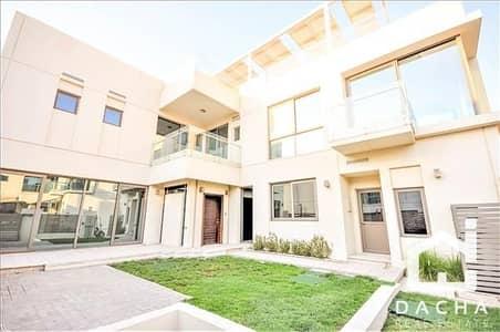 فیلا 3 غرف نوم للايجار في المدينة المستدامة، دبي - Villa type 3 / Dewa saving Solar panel system / Multiple types available