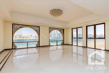 7 Bedroom Villa for Sale in Palm Jumeirah, Dubai - TWO Brand New Signature Villas / Over 20