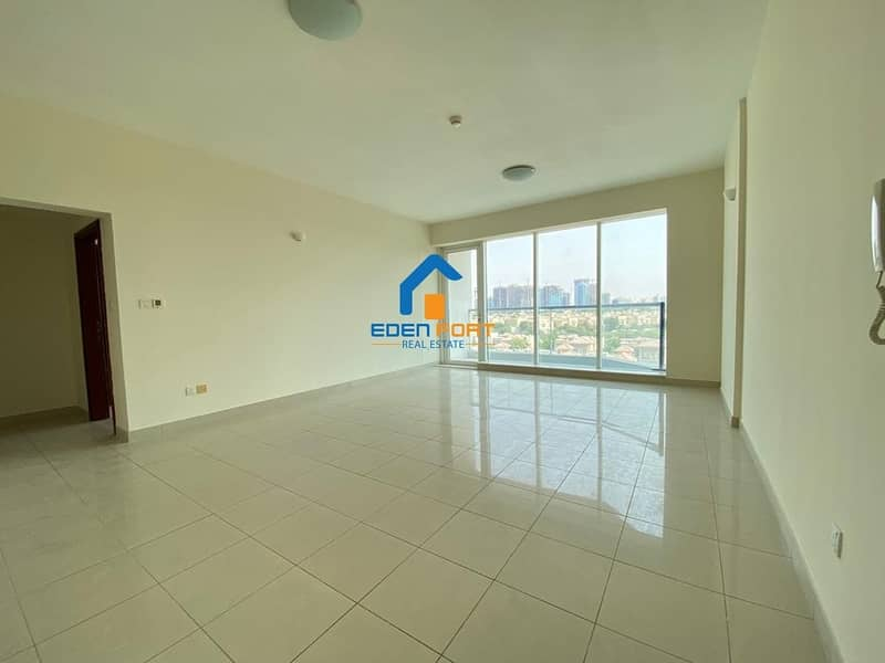 Well Maintained-Vacant-2 BHK in Tennis Tower..