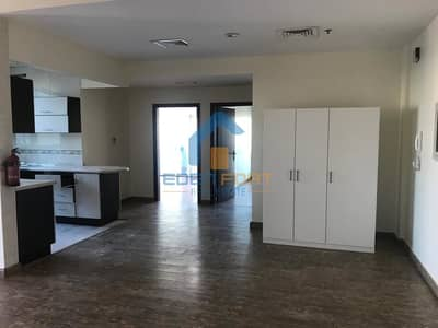 2 Bedroom Flat for Rent in Dubai Sports City, Dubai - Huge 2 BHK-Upgraded-Zenith A1 Tower-DSC.