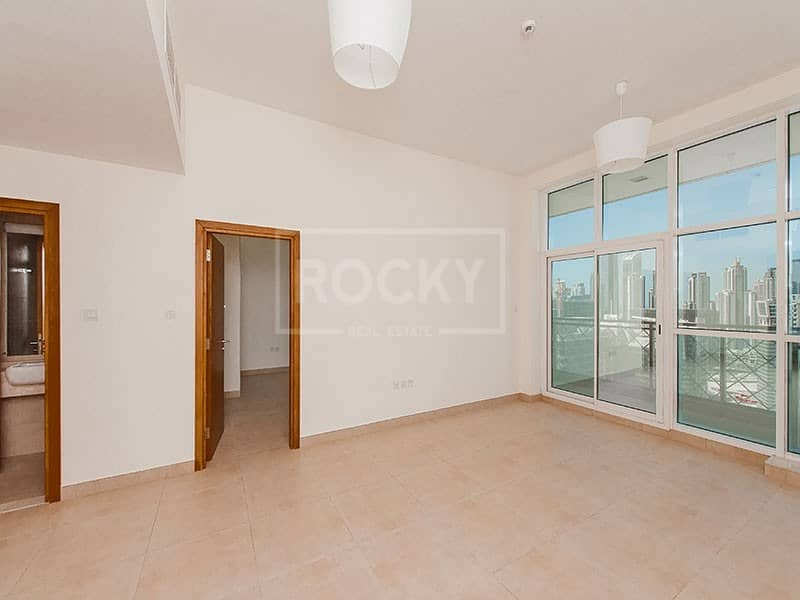 2 1 Bed | Closed Kitchen | Canal View | Business Bay