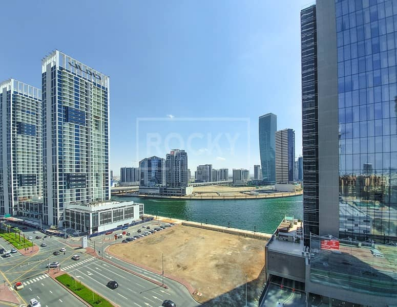 10 1 Bed | Closed Kitchen | Canal View | Business Bay