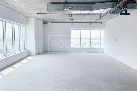 مکتب  للبيع في الخليج التجاري، دبي - Shell and Core | Higher Floor | with Pantry and Kitchen