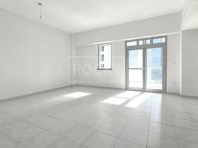 1 Bedroom Apartment for Sale in Business Bay, Dubai - Well maintained|Close To Metro|Mid Floor|SZR View