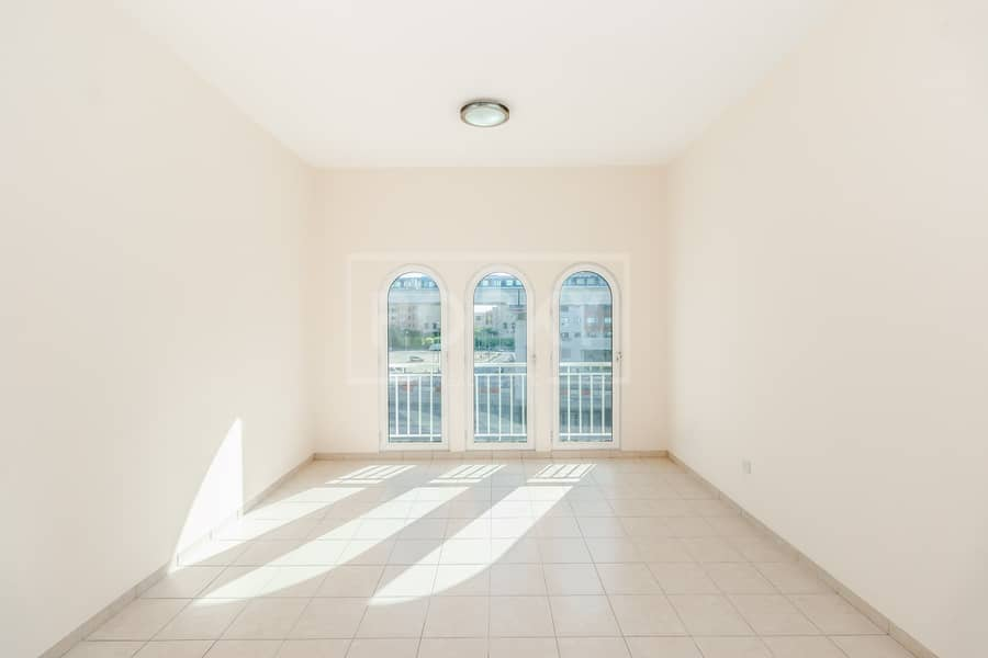 2 Exclusive|Chiller Free|Close to Metro|Well Maintained