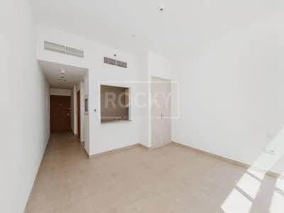استوديو  للايجار في الخليج التجاري، دبي - Higher Floor | Studio | Kitchen Equipped | Business Bay
