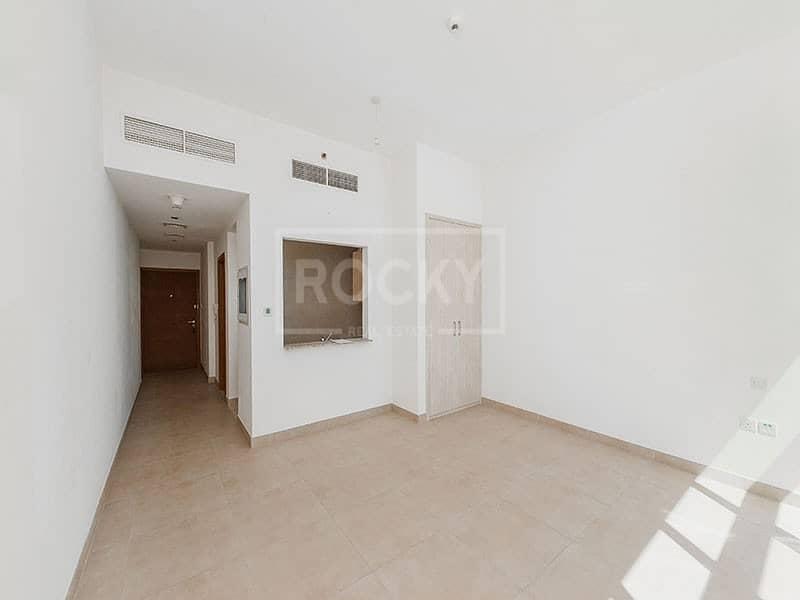 Higher Floor | Studio | Kitchen Equipped | Business Bay