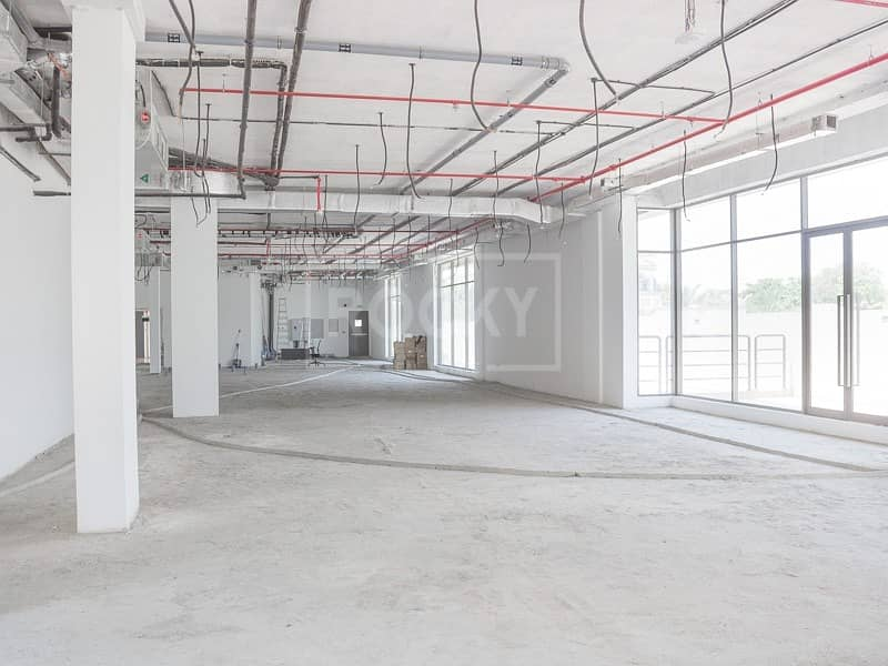 Spacious retail at Prime location |Suitable for super mkt and Restaurant