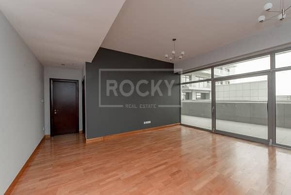 Spacious   2 Bed Duplex   with Terrace   Low Floor