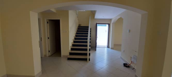 4 Bedroom Villa for Rent in Mirdif, Dubai - 4 BED  ROOM   VILLA   WITH   PRIVATE   ENTRANCE  //   AWAY  FROM  FLIGHT   PATH  //   SHARED   POOL
