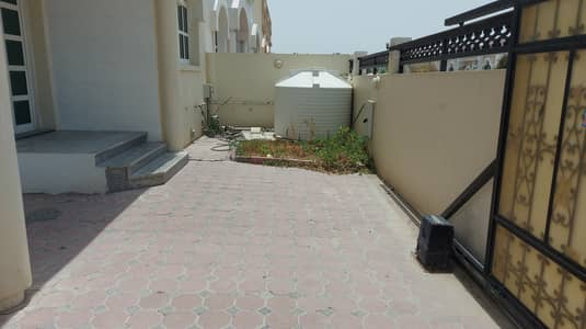 3 Bedroom Villa for Rent in Mirdif, Dubai - 3 BED  ROOM   VILLA    WITH  COVERED   PARKING  //   MAID  ROOM  //  PRIVATE   ENTRANCE