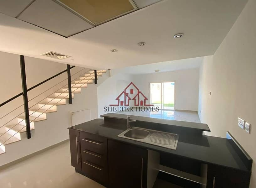 2 Do Not Miss This Offer to Live in This Beautiful Unit !