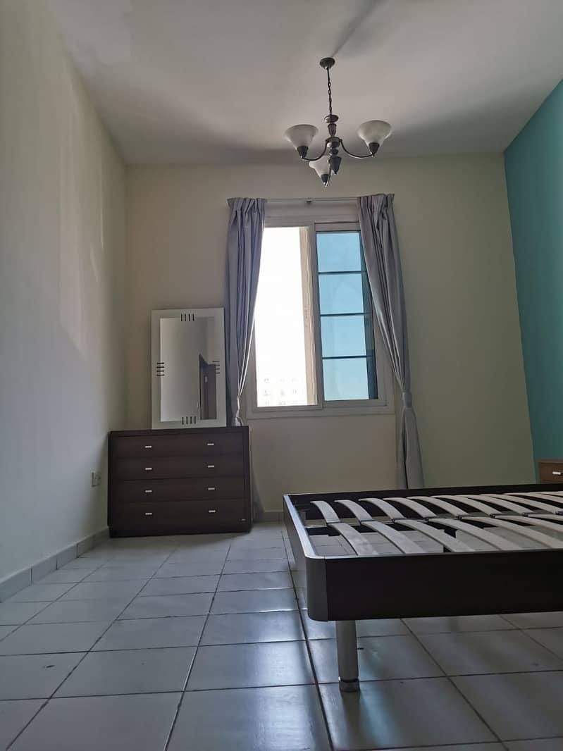 شقة في الحي الفرنسي المدينة العالمية 1 غرف 305000 درهم - 4881517