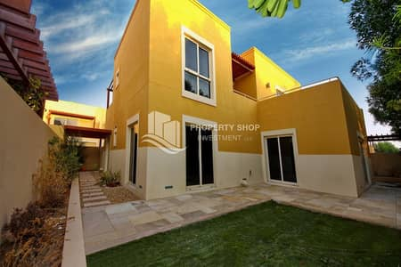 3 Bedroom Villa for Sale in Al Raha Gardens, Abu Dhabi - Perfectly Designed Immaculate Villa w/ Pvt Garden!