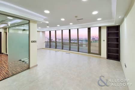 Office for Rent in Motor City, Dubai - Balcony | 2 Parking Available | Meeting Room