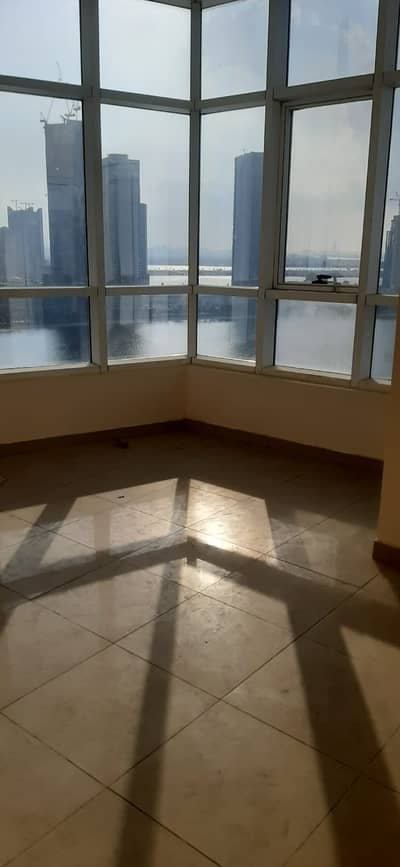 2 Bedroom Apartment for Rent in Al Khan, Sharjah - Very spacious 2bhk unit Vacant  with one Month free