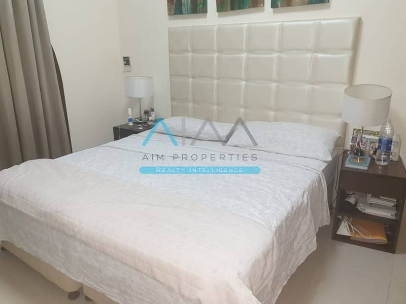 Dynamite Deal - Spacious Layout and Fully Furnished Studio for Sale - Lincoln Park Arjan