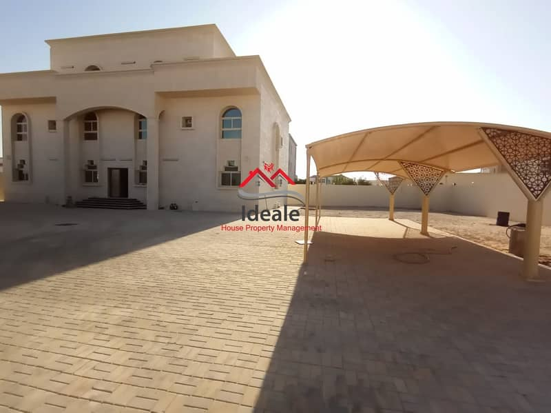 Hot Deal! Supersized 12BR villa with wide yard