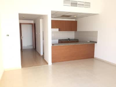 Studio for Rent in Dubai Residence Complex, Dubai - CHILLER FREE. . !! HUGE STUDIO APARTMENT 20,000 BY 6 CHEQUES