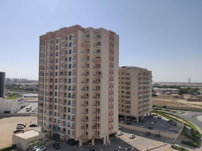 15 1 Bedroom | High Floor | Unfurnished| Community View
