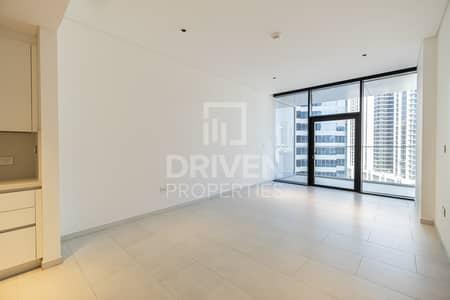 Studio for Rent in Business Bay, Dubai - Stunning Studio Apt w/ Burj Khalifa View